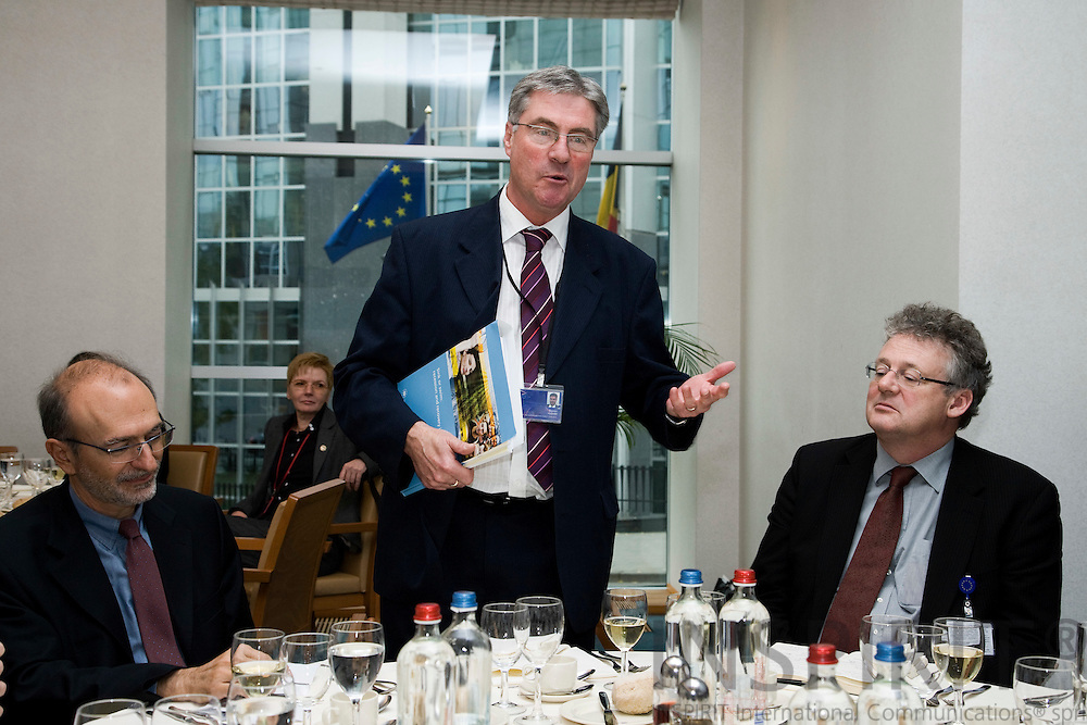 BRUSSELS - BELGIUM - 11 NOVEMBER 2009 -- Presentation of the new report from Eurofound - Impact of Financial and economic crisis on Labour market prospects in Europe -  MEP Stephen HUGHES presents the report to the MEPs , sitting from left MEP Olle Ludvigsson and Donald Storrie, Head of Unit at Eurofound.   PHOTO: ERIK LUNTANG /  INSPIRIT
