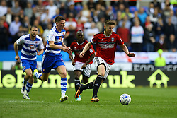Tom Cairney of Fulham takes the ball into the Reading half - Mandatory by-line: Jason Brown/JMP - 16/05/2017 - FOOTBALL - Madejski Stadium - Reading, England - Reading v Fulham - Sky Bet Championship Play-off Semi-Final 2nd Leg