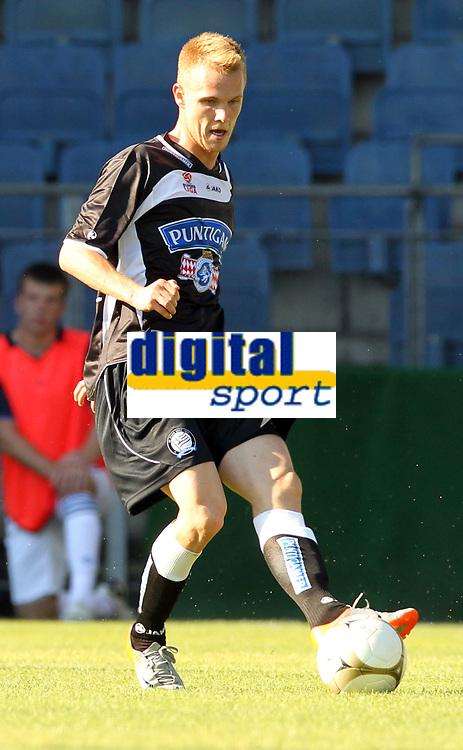 Fotball<br /> 10.07.2010<br /> Foto: Gepa/Digitalsport<br /> NORWAY ONLY<br /> <br /> tipp3 Bundesliga powered by T-Mobile, Premier League, SK Sturm Graz vs Blackburn Rovers, IFCS, Vorbereitungsspiel. <br /> <br /> Bild zeigt Dominic Puercher (Sturm).