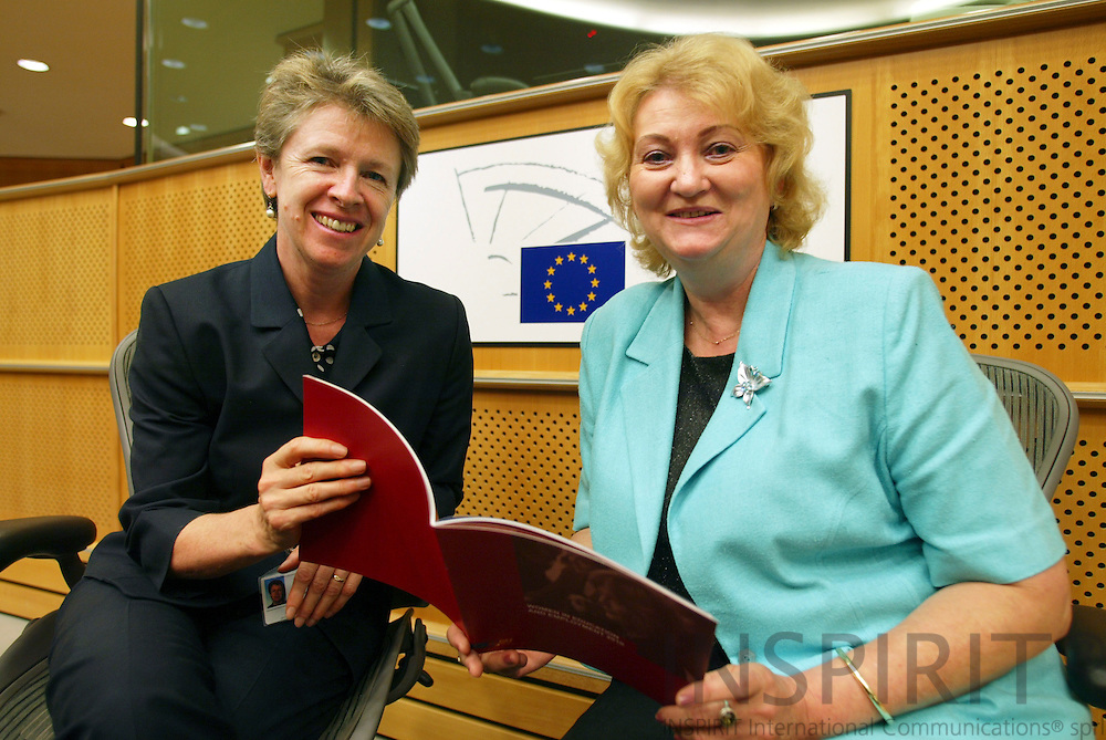 BRUSSELS -BELGIUM - 11 JULY 2006 -- ETF Director Muriel DUNBAR (L), presented a new ETF book, Women in Education nd Employment 2010, to MEP Anna ZABORSKA, Chairwoman of the EP Committee on Women's Rights and Gender Equality. PHOTO: ERIK LUNTANG /
