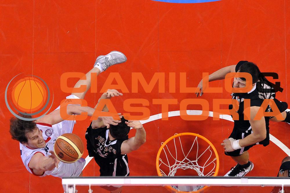 DESCRIZIONE : Biella Lega A 2011-12 Angelico Biella Otto Caserta<br /> GIOCATORE : Goran Jurak<br /> CATEGORIA : Tiro<br /> SQUADRA : Angelico Biella<br /> EVENTO : Campionato Lega A 2011-2012<br /> GARA : Angelico Biella Otto Caserta<br /> DATA : 02/05/2012<br /> SPORT : Pallacanestro<br /> AUTORE : Agenzia Ciamillo-Castoria/S.Ceretti<br /> Galleria : Lega Basket A 2011-2012<br /> Fotonotizia : Biella Lega A 2011-12 Angelico Biella Otto Caserta<br /> Predefinita :