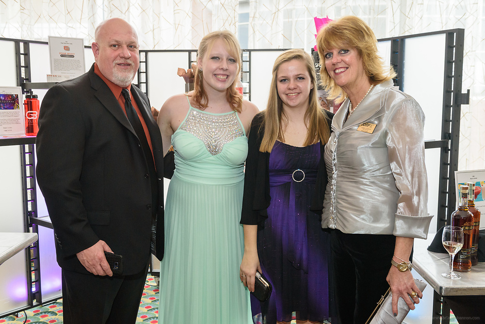 The Juvenile Diabetes Foundation (JDRF) holds it's 2017 Promise Gala - Passage to India black tie and themed attire event Saturday, March 25, 2017, at the Marriott Downtown in Louisville, Ky. (Photo by Brian Bohannon)