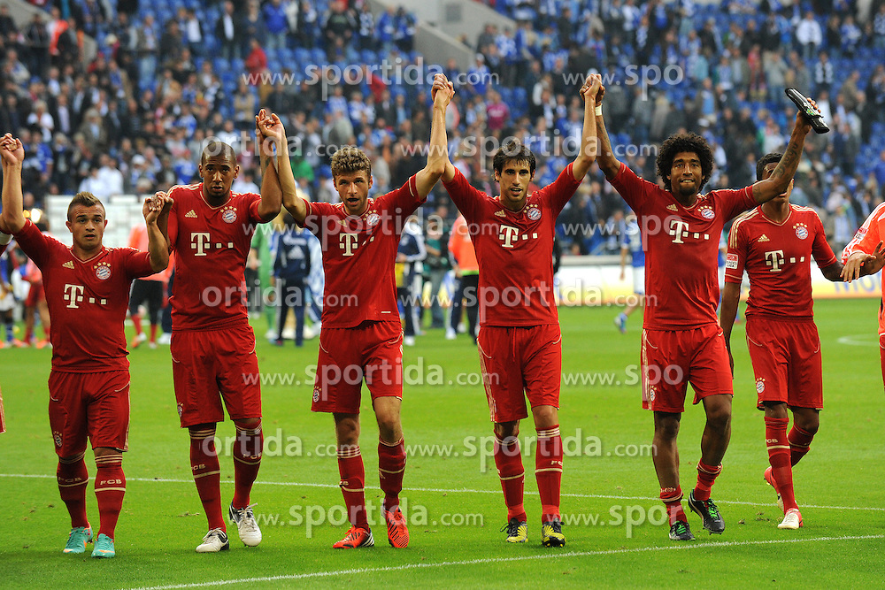 V.l.n.r. Xherdan Shaqiri, Jerome Boateng, Thomas Mueller, Javier Martinez und Dante ( alle Bayern Muenchen/ Portrait ) bedanken sich bei den Fans fuer die tolle Unterstuetzung // during the German Bundesliga 4th round match between Schalke 04 and FC Bayern Munich at the Veltins Arena, Gelsenkirchen, Germany on 2012/09/22. EXPA Pictures © 2012, PhotoCredit: EXPA/ Eibner/ Thomas Thienel..***** ATTENTION - OUT OF GER *****