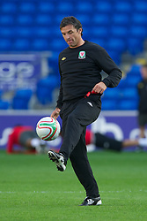CARDIFF, WALES - Tuesday, August 9, 2011: Wales' manager Gary Speed MBE during a training session at the Cardiff City Satdium ahead of the International Friendly match against Australia. (Photo by David Rawcliffe/Propaganda)