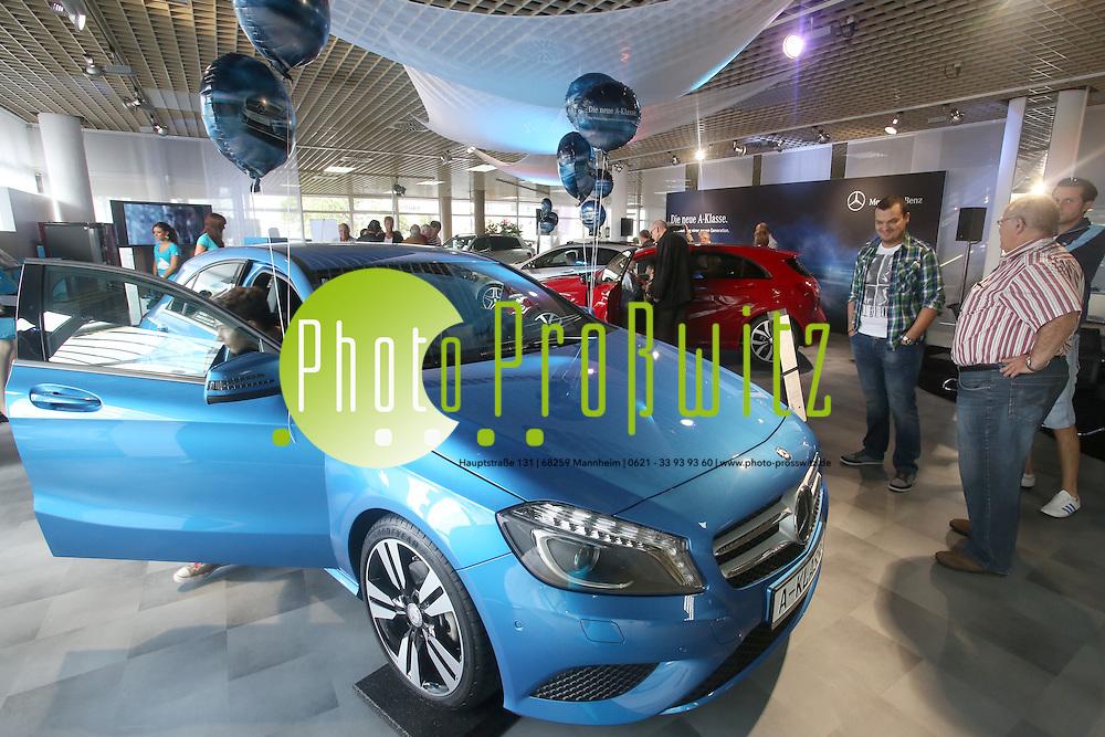 Mannheim. 15.09.12  Mercedes Benz Niederlassung Mannheim. Vorstellung der Neuen A-Klasse<br /> <br /> Bild: Markus Pro&szlig;witz 15SEP12 / masterpress /