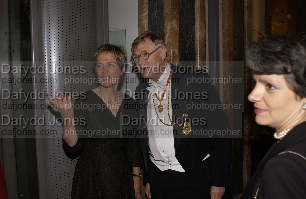 President of the Royal Academy Sir Nicholas and Lady Grimshaw. Opening of  China: The three Emperors, 1662-1795. Royal Academy. 8 November 2005 . ONE TIME USE ONLY - DO NOT ARCHIVE © Copyright Photograph by Dafydd Jones 66 Stockwell Park Rd. London SW9 0DA Tel 020 7733 0108 www.dafjones.com
