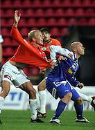29.08.2005, Ratina, Tampere, Finland..Veikkausliiga 2005 / Finnish League 2005.Tampere United v AC Allianssi.Ville Lehtinen (TamU) v Mathias Lindström (ACA).©Juha Tamminen.....ARK:k