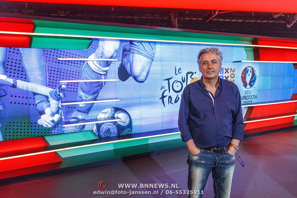 NLD/Hilversum/20160526 - perspresentaties NOS Sportzomer 2016, EK Voetbal & Tour de France, Robert ...............