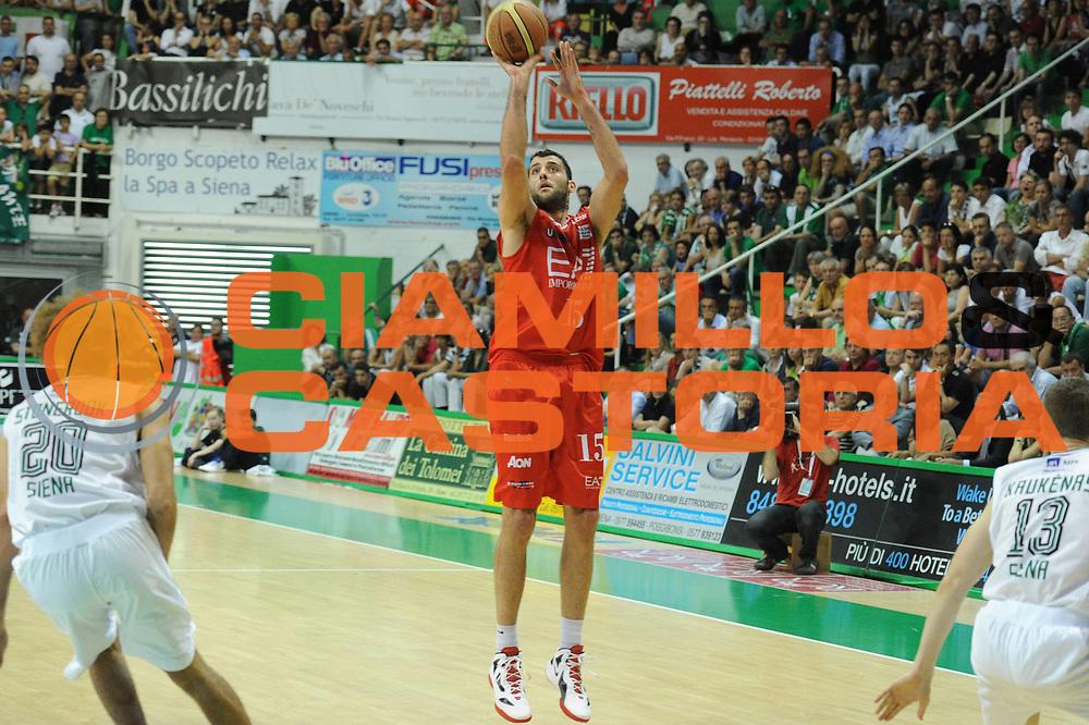 DESCRIZIONE : Siena Lega A 2011-12 Montepaschi Siena EA7 Emporio Armani Milano Finale scudetto gara 5<br /> GIOCATORE : Ioannis Bouroussis<br /> CATEGORIA : three points<br /> SQUADRA : EA7 Emporio Armani Milano<br /> EVENTO : Campionato Lega A 2011-2012 Finale scudetto gara 5<br /> GARA : Montepaschi Siena EA7 Emporio Armani Milano<br /> DATA : 17/06/2012<br /> SPORT : Pallacanestro <br /> AUTORE : Agenzia Ciamillo-Castoria/GiulioCiamillo<br /> Galleria : Lega Basket A 2011-2012  <br /> Fotonotizia : Siena Lega A 2011-12 Montepaschi Siena EA7 Emporio Armani Milano Finale scudetto gara 5<br /> Predefinita :