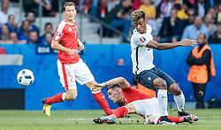 19.06.2016, Stade Pierre Mauroy, Lille, FRA, UEFA Euro, Frankreich, Schweiz vs Frankreich, Gruppe A, im Bild Granit Xhaka (SUI), Kingsley Coman (FRA) // Granit Xhaka (SUI), Kingsley Coman (FRA) during Group A match between Switzerland and France of the UEFA EURO 2016 France at the Stade Pierre Mauroy in Lille, France on 2016/06/19. EXPA Pictures © 2016, PhotoCredit: EXPA/ JFK