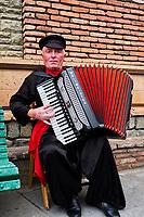 Georgie, Caucase, Tbilissi, musiciens dans la vieille ville // Georgia, Caucasus, Tbilisi, musician in old city