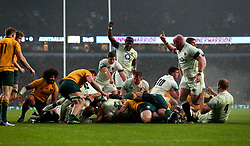 England celebrate thinking a try has been scored - Mandatory by-line: Robbie Stephenson/JMP - 18/11/2017 - RUGBY - Twickenham Stadium - London, England - England v Australia - Old Mutual Wealth Series