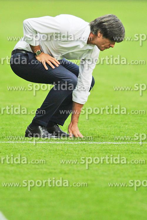 04.09.2015, Commerzbank Arena, Frankfurt, GER, UEFA Euro Qualifikation, Deutschland vs Polen, Gruppe D, im Bild National-, Bundestrainer Joachim &quot;Jogi&quot; Loew ueberprueft den Rasen // during the UEFA EURO 2016 qualifier Group D match between Germany and Poland at the Commerzbank Arena in Frankfurt, Germany on 2015/09/04. EXPA Pictures &copy; 2015, PhotoCredit: EXPA/ Eibner-Pressefoto/ Sch&uuml;ler<br /> <br /> *****ATTENTION - OUT of GER*****