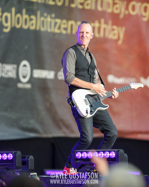 WASHINGTON, D.C. - April 18th, 2015 - Tom Dumont of No Doubt performs at the Global Citizen 2015 Earth Day concert on the National Mall in Washington, D.C. (Photo by Kyle Gustafson / For The Washington Post)
