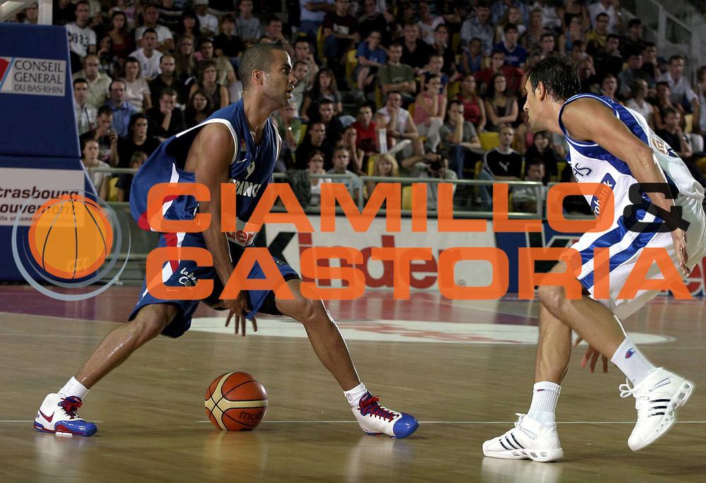 DESCRIZIONE : Strasburgo Amichevole Francia Grecia <br /> GIOCATORE : Tony Parker<br /> SQUADRA : Francia Grecia<br /> EVENTO : Strasburgo Francia Amichevole Francia Grecia<br /> GARA : Francia Grecia<br /> DATA : 11/08/2007 <br /> CATEGORIA :<br /> SPORT : Pallacanestro <br /> AUTORE : Agenzia Ciamillo-Castoria/H.Bellenger