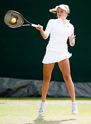 Katie Swan (GBR) in action against Emilie Francati (DEN) - Photo mandatory by-line: Joe Meredith/JMP - Mobile: 07966 386802 - 28/06/2015 - SPORT - Tennis - London - Bank of England Sports Ground - Nike Junior International