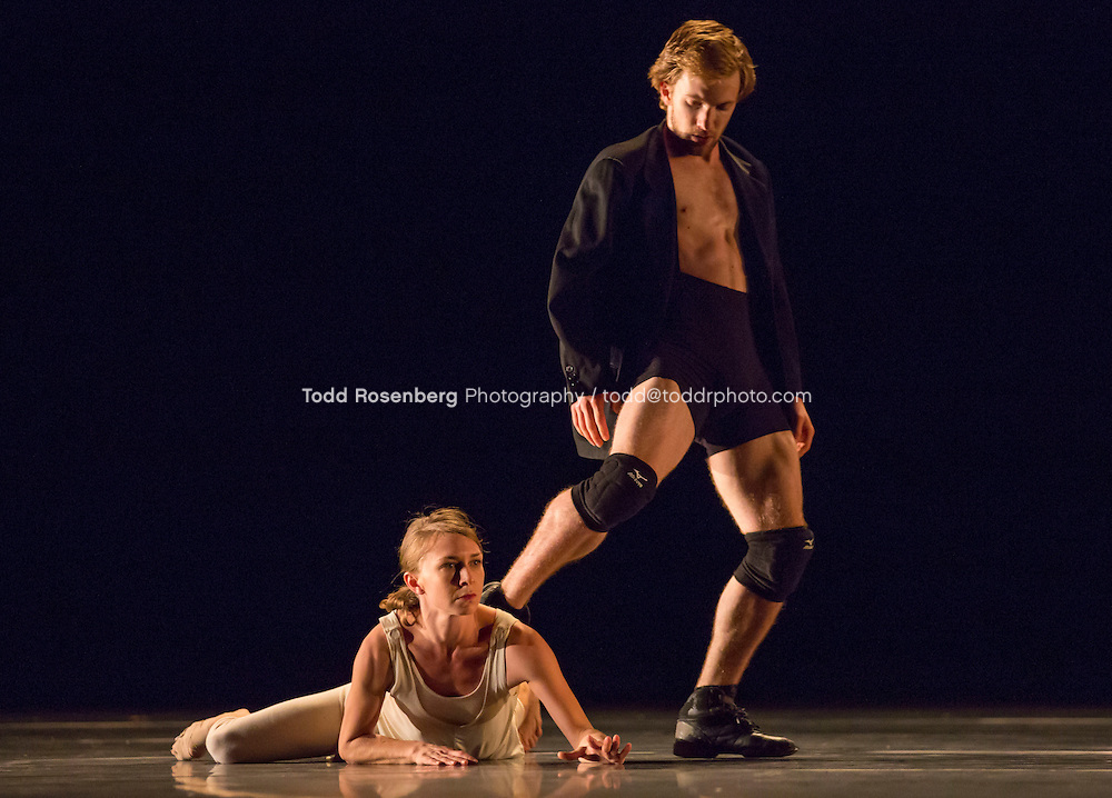 10/9/13 4:05:50 PM -- Hubbard Street Dance Chicago Tech of Passomezzo by Ohad Naharin featuring Kellie Epperheimer and Johnny McMillan. © Todd Rosenberg Photography 2013
