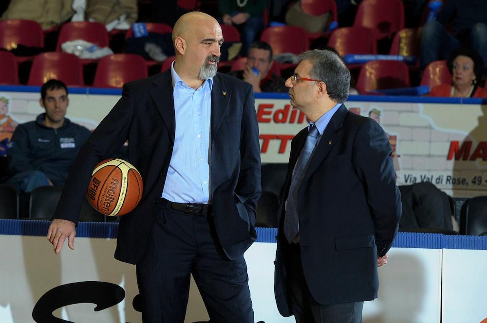 DESCRIZIONE : Venezia Additional Qualification Round Eurobasket Women 2009 Italia Croazia<br /> GIOCATORE : Ciapiero Ticchi Nino Molino<br /> SQUADRA : Nazionale Italia Donne<br /> EVENTO : Italia Croazia<br /> GARA :<br /> DATA : 10/01/2009<br /> CATEGORIA : Before<br /> SPORT : Pallacanestro<br /> AUTORE : Agenzia Ciamillo-Castoria/M.Gregolin