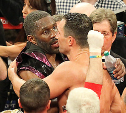 26.04.2015, Madison Square Garden, New York, USA, WBA, Wladimir Klitschko vs Bryant Jennings, im Bild l-r. Bryant Jennings mit dem alten und neuen Weltmeister im Boxen Schwergewicht Wladimir Klitschko // during IBF, WBO and WBA world heavyweight title boxing fight between Wladimir Klitschko of Ukraine and Bryant Jennings of the USA at the Madison Square Garden in New York, United Staates on 2015/04/26. EXPA Pictures © 2015, PhotoCredit: EXPA/ Eibner-Pressefoto/ Kolbert<br /> <br /> *****ATTENTION - OUT of GER*****