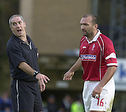 Nationwide Division 2 27-10-2001.Wycombe Wanderers FC v Swindon Town FC:.Referee Mr F Stretton, dismisses Neil Ruddock's coments. ... ...........
