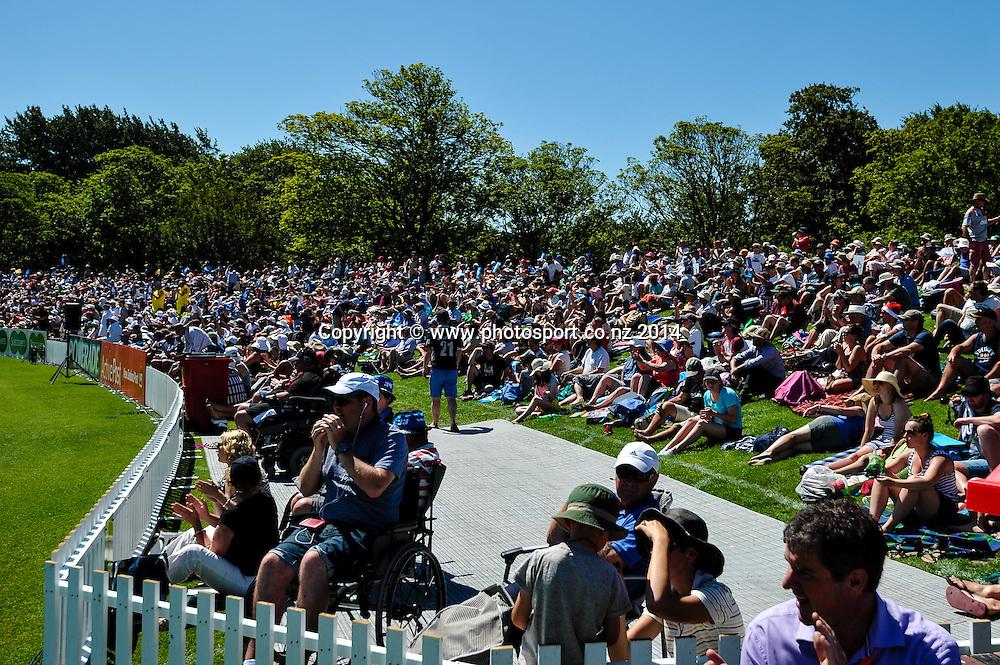 The crowd in the 1st day of the cricket test match, NZ v Sri Lanka, Hagley Oval, 26 December 2014. Photo:John Davidson/www.photosport.co.nz