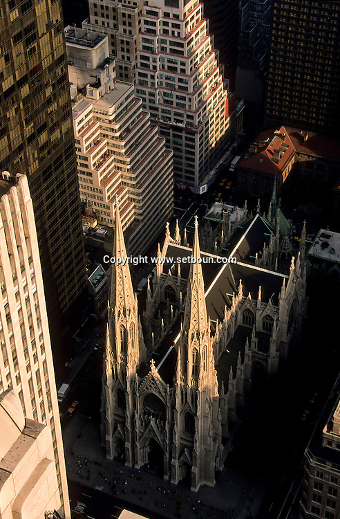 New York. midtown . elevated view. Saint Patrick cathedral , Panoramic view on Manhattan midtown /  la cathedrale Saint patrick, vue panoramique sur Manhattan midtown  New York  USa
