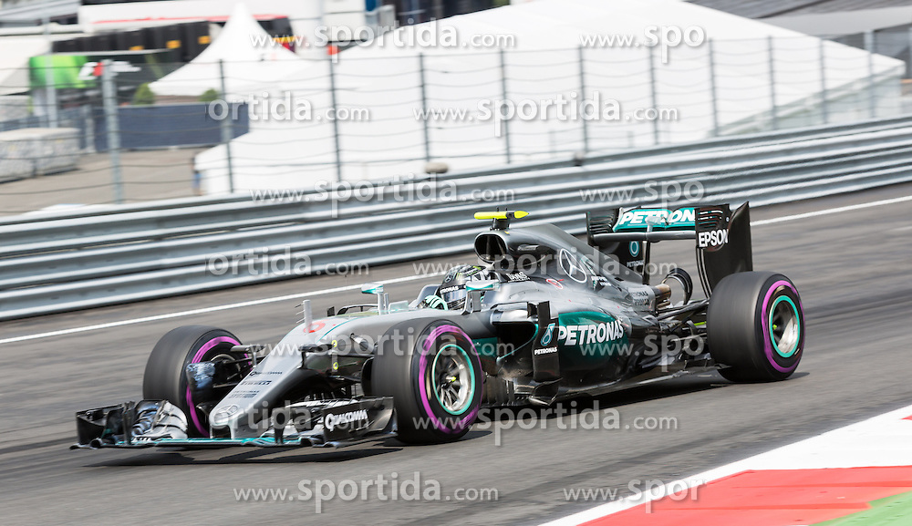 02.07.2016, Red Bull Ring, Spielberg, AUT, FIA, Formel 1, Grosser Preis von Österreich, Qualifying, im Bild Nico Rosberg (GER) Mercedes AMG Petronas F1 Team // German Formula One driver Nico Rosberg of Mercedes AMG F1 during the Qualifying for the Austrian Formula One Grand Prix at the Red Bull Ring in Spielberg, Austria on 2016/07/02. EXPA Pictures © 2016, PhotoCredit: EXPA/ Dominik Angerer