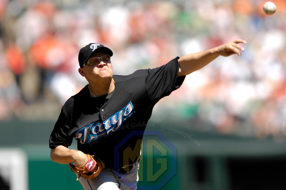 22 April 2007:  Toronto Blue Jays pitcher Gustavo Chacin (39) pitches in the 1st inning against the Baltimore Orioles.  Chacin went 4 1/3 innings giving up 6 earned runs as the Orioles defeated the Blue Jays 7-3 at Camden Yards in Baltimore, MD to complete a 3 game sweep.