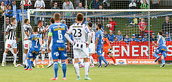 29.05.2015, Sportplatz FAC, Wien, AUT, 2. FBL, Floridsdorfer AC vs Lask Linz, 36. Runde, im Bild Patrick Haas (Floridsorfer AC) , Andreas Bauer (Floridsorfer AC) , Stefan Savic (Lask Linz) und Mehmet Suetcue (Floridsorfer AC) // during Austrian Football Second Bundesliga Match, 36th round, between Floridsdorfer AC and Lask Linz at the Sportplatz FAC, Vienna, Austria on 2015/05/29. EXPA Pictures © 2015, PhotoCredit: EXPA/ Alexander Forst