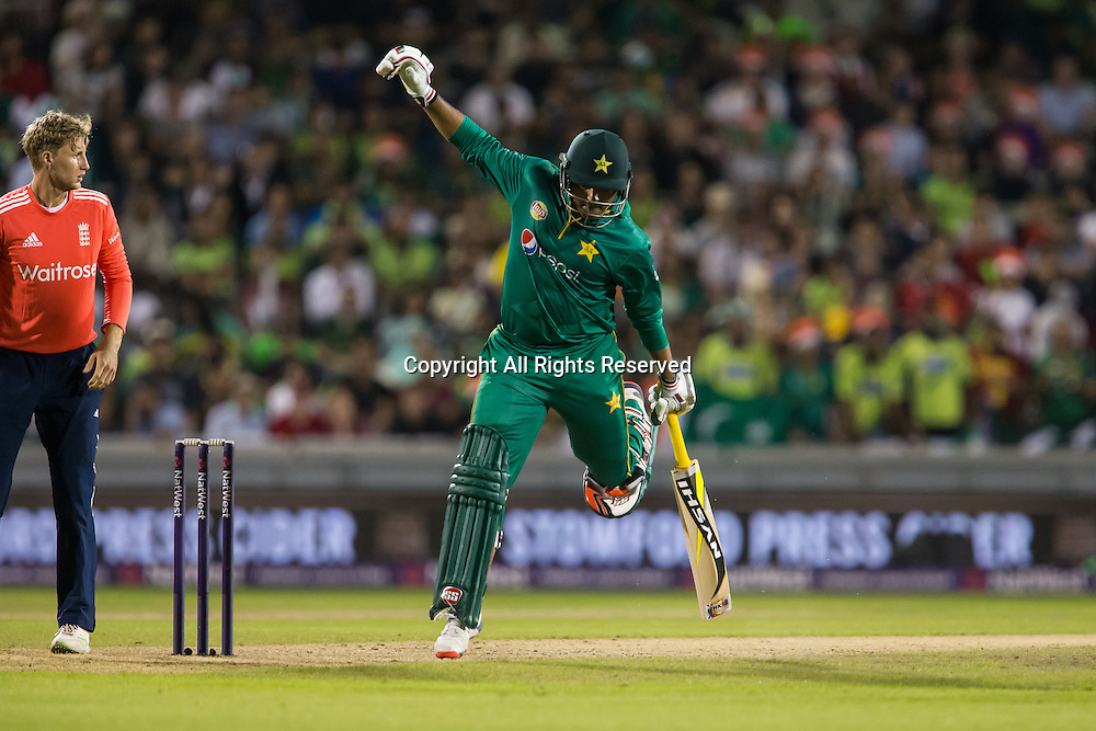 07.09.2016. Old Trafford, Manchester, England. Natwest International T20 Cricket. England Versus Pakistan. Pakistan opening batsman Sharjeel Khan takes a run that meant him running hard.