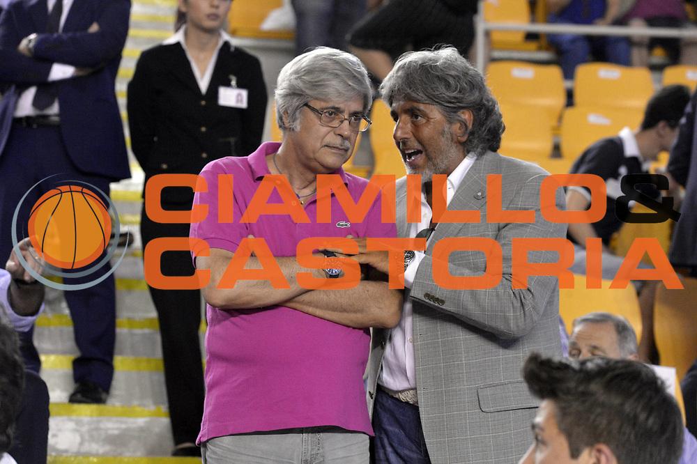 DESCRIZIONE : Roma Lega A 2012-2013 Acea Roma Montepaschi Siena playoff finale gara 5<br /> GIOCATORE : Franco Del Moro Mario Arceri<br /> CATEGORIA : Tifosi<br /> SQUADRA : <br /> EVENTO : Campionato Lega A 2012-2013 playoff finale gara 5<br /> GARA : Acea Roma Montepaschi Siena<br /> DATA : 19/06/2013<br /> SPORT : Pallacanestro <br /> AUTORE : Agenzia Ciamillo-Castoria/GiulioCiamillo<br /> Galleria : Lega Basket A 2012-2013  <br /> Fotonotizia : Roma Lega A 2012-2013 Acea Roma Montepaschi Siena playoff finale gara 5<br /> Predefinita :