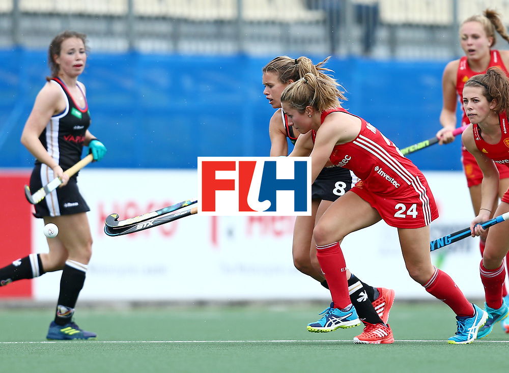 New Zealand, Auckland - 18/11/17  <br /> Sentinel Homes Women&rsquo;s Hockey World League Final<br /> Harbour Hockey Stadium<br /> Copyrigth: Worldsportpics, Rodrigo Jaramillo<br /> Match ID: 10293 - ENG vs GER<br /> Photo: (24) McCALLIN Shona against (8) SCHR&Ouml;DER Anne&nbsp;(C)
