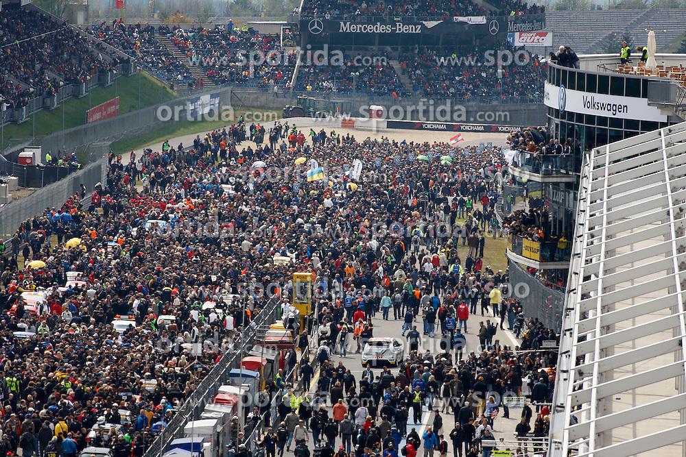 MOTORSPORT: 38. Internationales 24 Stunden-Rennen am Nuerburgring, 15.05.2010<br /> Illustration, Startaufstellung, Rennstrecke, Boxengasse<br /> &Acirc;&copy; pixathlon