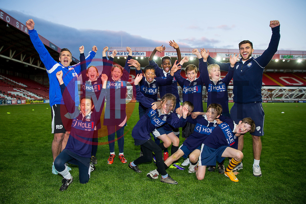 St Bonaventure's School pose with Craig Hampson of Bristol Rugby after winning the Final to lift the Bristol Sport School Cup  - Photo mandatory by-line: Rogan Thomson/JMP - Mobile: 07966 386802 - 22/04/2015 - SPORT - Rugby Union - Bristol, England - Ashton Gate - Bristol Sport Schools Cup Rugby.