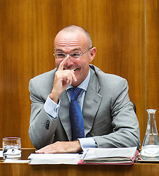 03.07.2013, Parlament, Wien, AUT, Parlament, 213. Nationalratssitzung, Sitzung des Nationalrates. im Bild Bundesminister fuer Sport und Verteidigung Gerald Klug SPOe // Minister of sport and defence Gerald Klug SPOe during the 213th meeting of the national assembly of austria, austrian parliament, Vienna, Austria on 2013/07/03, EXPA Pictures © 2013, PhotoCredit: EXPA/ Michael Gruber