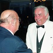 NLD/Amsterdam/19940422 - Feestje verjaardag Paul Wilking op Schiphol, met Eddy Doorenbos
