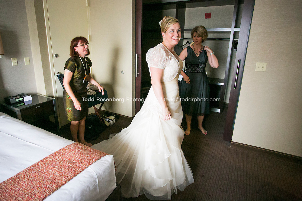 7/14/12 3:20:28 PM -- Julie O'Connell and Patrick Murray's Wedding in Chicago, IL.. © Todd Rosenberg Photography 2012
