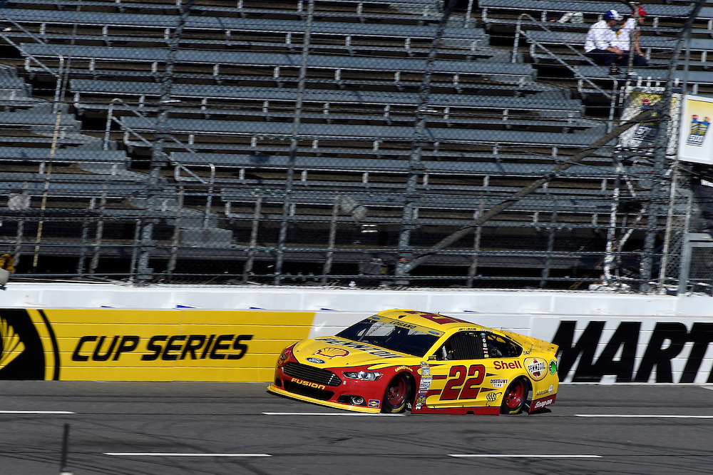 30 October - 1 November, 2015, Martinsville, Virginia USA<br /> Joey Logano<br /> &copy;2015 Scott R LePage <br /> LAT Photo USA