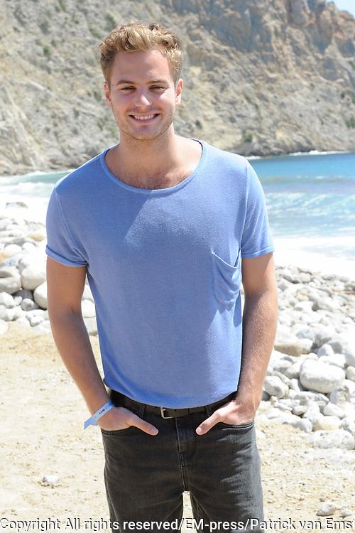 De castpresentatie van de nieuwe Nederlandse film Verliefd op Ibiza bij Beach Club Marlin, Ibiza.<br /> <br /> Op de foto:  Jim Bakkum