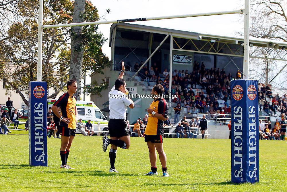 Referee Sheldon Eden-Whaitiri awards South Canterbury a penalty try. Heartland Championship rugby - Thames Valley v South Canterbury at Paeroa Domain, Paeroa, New Zealand on Saturday, 24 September 2011. Photo: Ella Brockelsby/photosport.co.nz