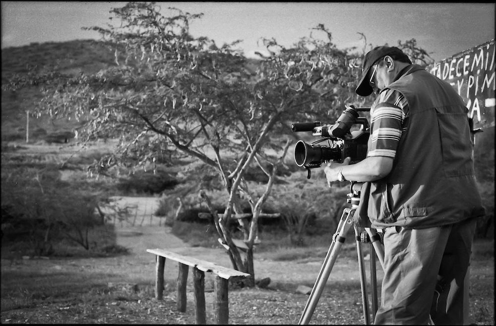 PORTRAITS / RETRATOS<br /> <br /> Salvador Calmauta<br /> Camar&oacute;grafo, Director, Productor y Cineasta Venezolano<br /> El Tocuyo, Estado Lara - Venezuela 2004<br /> <br /> (Copyright &copy; Aaron Sosa)