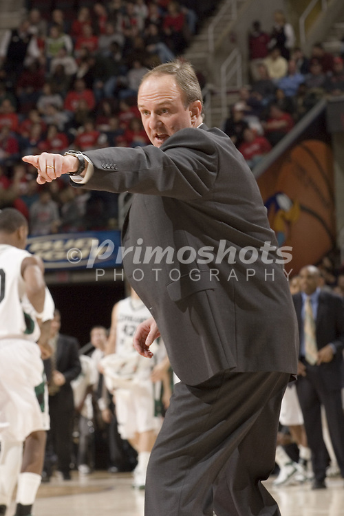 December 18, 2007: Thad Matta, Ohio State University's Head Basketball Coach gives direction to his team during the John McClendon Scholarship Classic in Cleveland Ohio. OSU was victorious over the Cleveland State Vikings 80-63. Michael Ciu / CSM