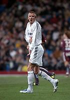 22/12/2004 - La Liga - Real Madrid v Sevilla<br />Real Madrid's David Beckham complains to the referee <br />Photo: Back Page Images