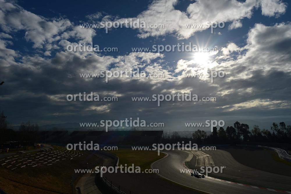 26.02.2015, Circuit de Catalunya, Barcelona, ESP, FIA, Formel 1, Testfahrten, Barcelona, Tag 1, im Bild Felipe Massa (BRA) Williams FW37 // during the Formula One Testdrives, day one at the Circuit de Catalunya in Barcelona, Spain on 2015/02/26. EXPA Pictures &copy; 2015, PhotoCredit: EXPA/ Sutton Images/ Patrik Lundin Images<br /> <br /> *****ATTENTION - for AUT, SLO, CRO, SRB, BIH, MAZ only*****