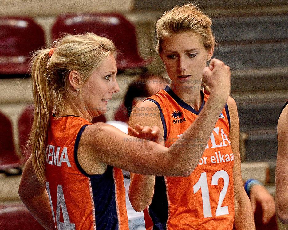 23-09-2014 ITA: World Championship Nederland - Kazachstan, Verona<br /> Nederland wint de opening wedstrijd met 3-0 / Laura Dijkema, Manon Flier