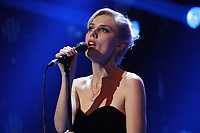 Wolf Alice performance