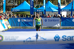 Asefa Negewo breaking the marathon record during the 2016 Sanlam Cape Town marathon held in Cape Town, South Africa on the 18th September  2016<br /> <br /> Photo by: John Tee / RealTime Images