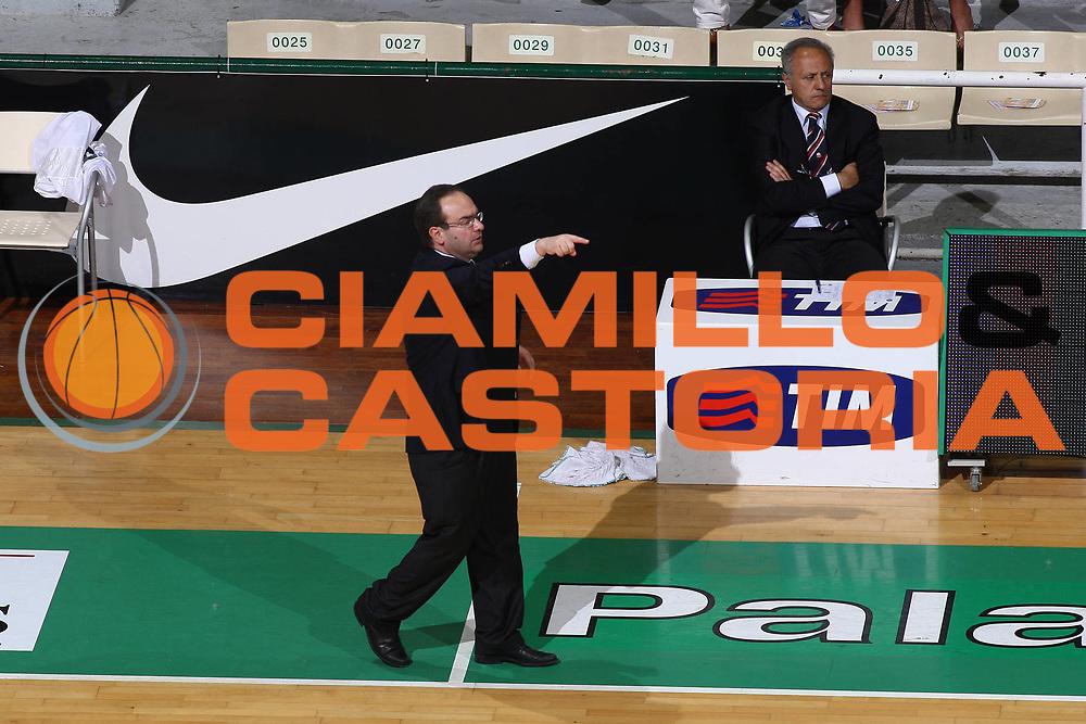 DESCRIZIONE : Siena Lega A 2008-09 Playoff Quarti di finale Gara 1 Montepaschi Siena Scavolini Spar Pesaro <br /> GIOCATORE : Stefano Sacripanti<br /> SQUADRA : Scavolini Spar Pesaro<br /> EVENTO : Campionato Lega A 2008-2009 <br /> GARA : Montepaschi Siena Scavolini Spar Pesaro<br /> DATA : 19/05/2009<br /> CATEGORIA : Coach<br /> SPORT : Pallacanestro <br /> AUTORE : Agenzia Ciamillo-Castoria/C.De Massis