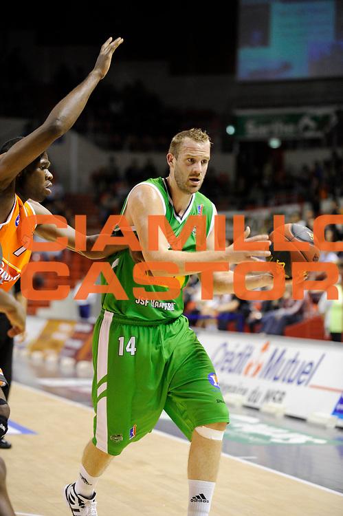 DESCRIZIONE : Championnat de France Pro a Antares Le Mans<br /> GIOCATORE : BRUN Stephen<br /> SQUADRA : Nanterre<br /> EVENTO : Pro a 1 journee<br /> GARA : Le Mans Nanterre<br /> DATA : 08/10/2011<br /> CATEGORIA : Basketball France Homme<br /> SPORT : Basketball<br /> AUTORE : JF Molliere<br /> Galleria : France Basket 2011-2012 Action<br /> Fotonotizia : Championnat de France Basket Pro A<br /> Predefinita :