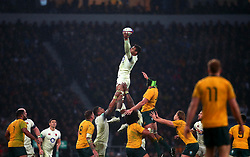 Courtney Lawes of England catches the ball from a line out - Mandatory by-line: Robbie Stephenson/JMP - 18/11/2017 - RUGBY - Twickenham Stadium - London, England - England v Australia - Old Mutual Wealth Series
